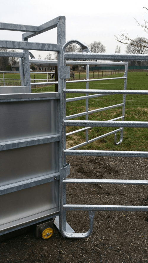 CowCare Hoof Bath drain