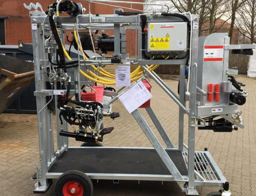 SP2 hydraulic hoof trimming chute is ready for transport