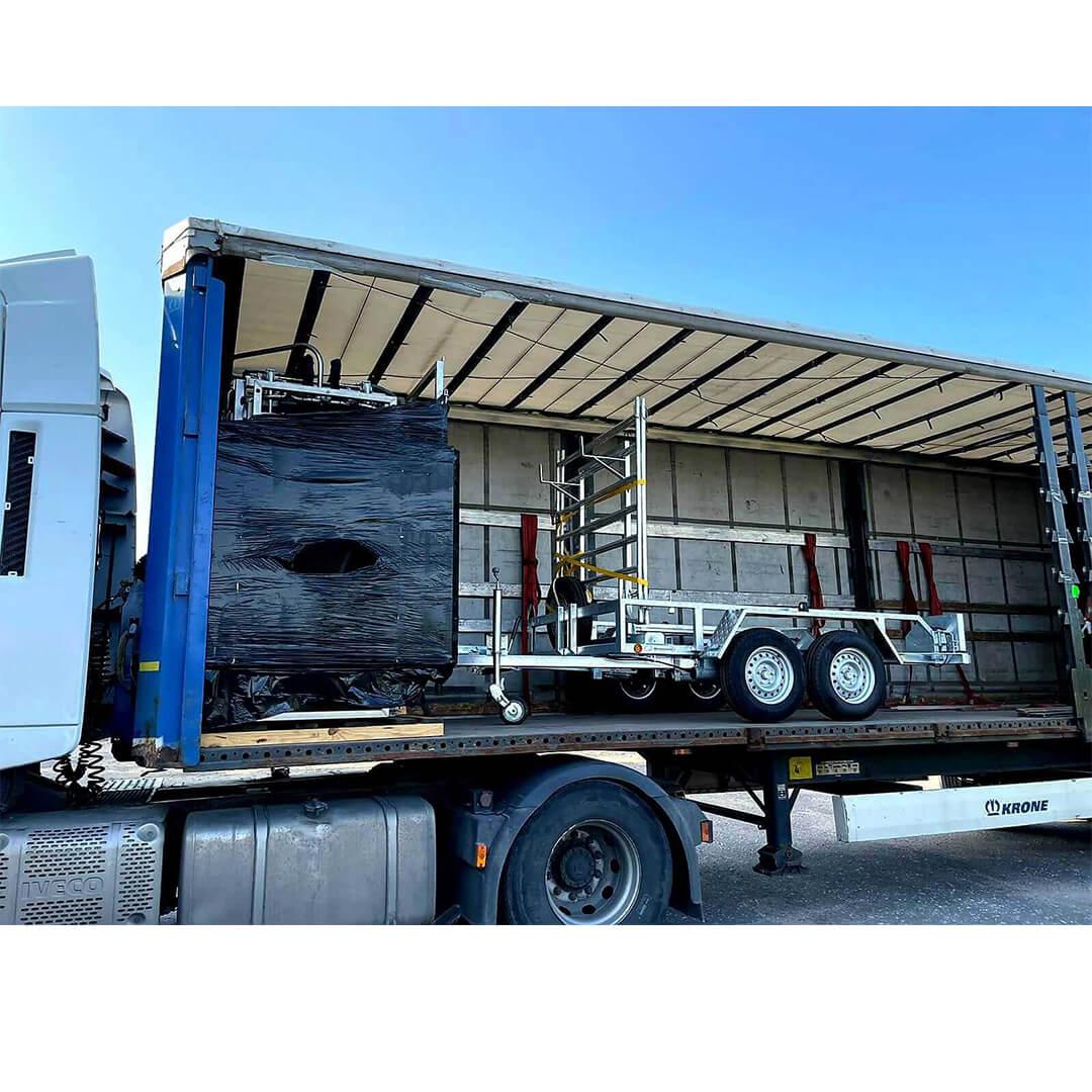 cowcare-truck-cargo-hoof-triming-chute-arrived